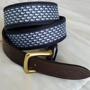 Vineyard Vines Whale Silk print leather  belt 38